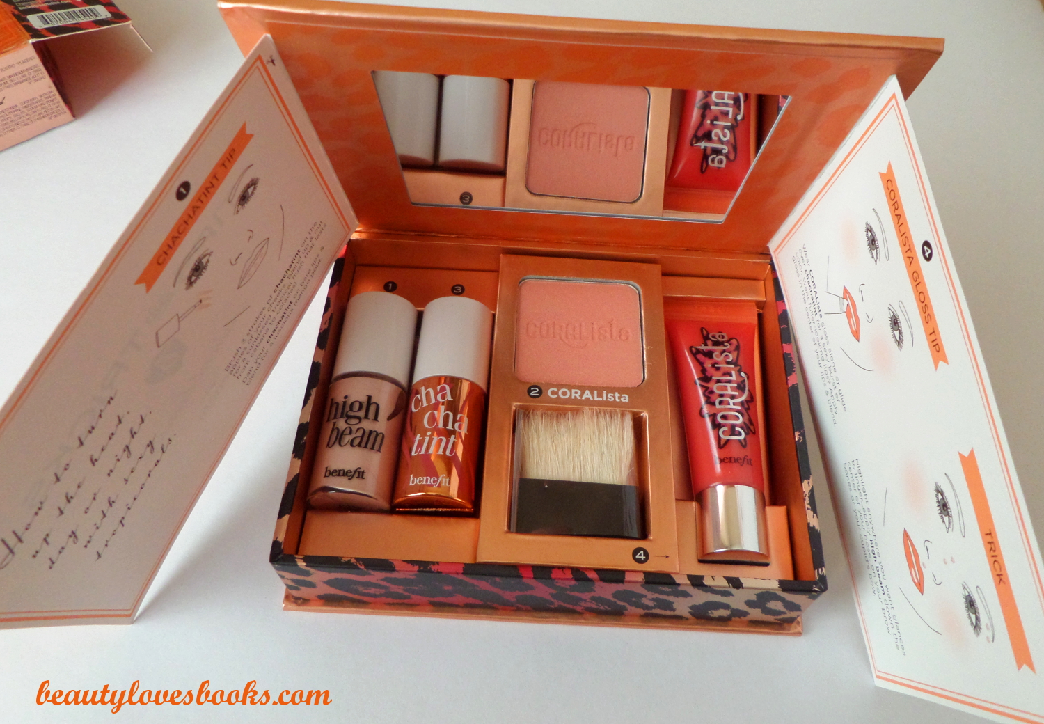 Benefit go TROPI CORAL set