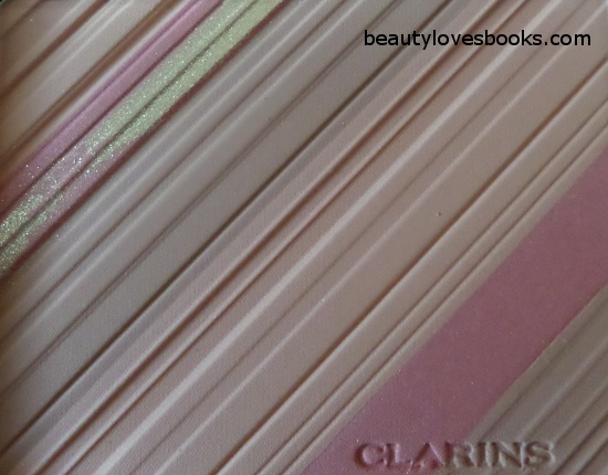 Clarins Graphic Expression Face & Blush Powder overspray