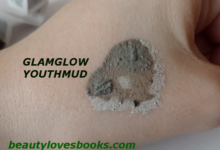 Glamglow YOUTHMUD® Tinglexfoliate treatment swatch